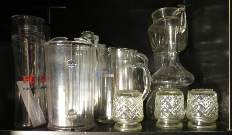 Vaisselle, pots en verre