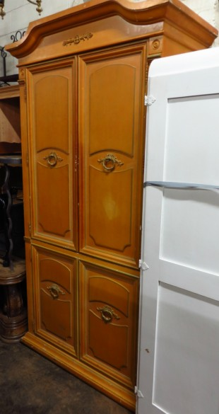 armoire coloniale