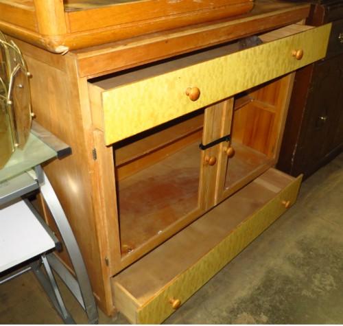 armoire mid-century