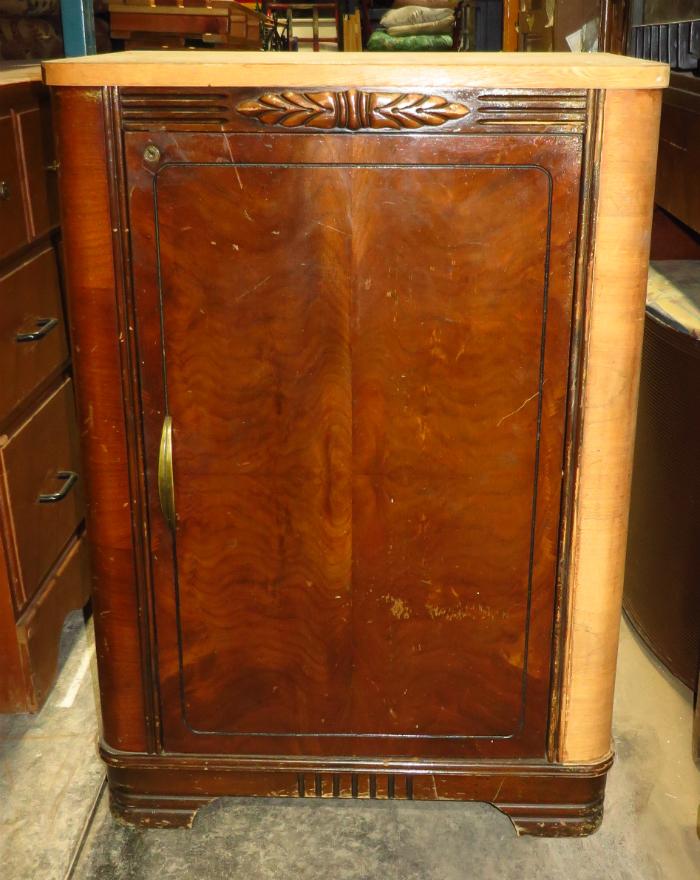 petite armoire mid-century